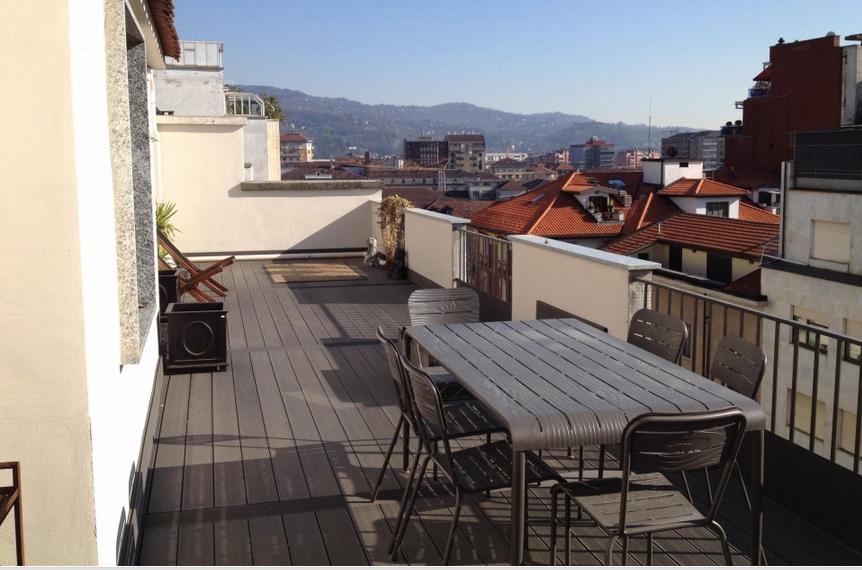Am nager une grande terrasse en ville monjardin for Amenager une grande terrasse