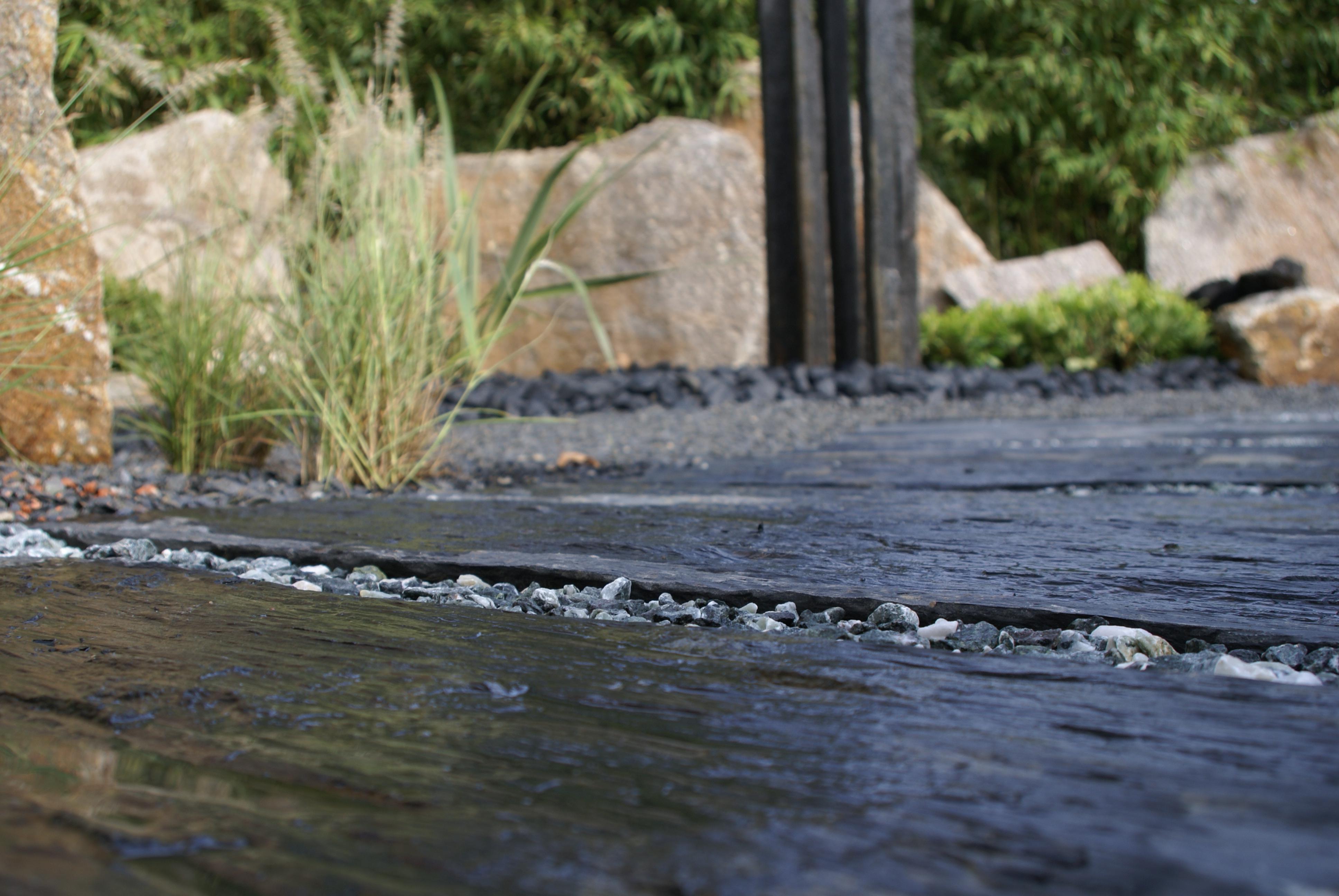Am nager un jardin contemporain les r gles monjardin for Jardin urbain contemporain